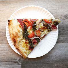 Add a slice to your #humpday 🍕 #MyPizzagarden #PizzaGarden #Pizza