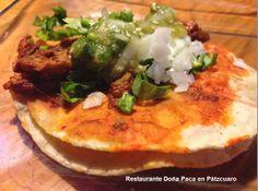 Los tradicionales Tacos Arrieros en Restaurante Doña Paca en Pátzcuaro