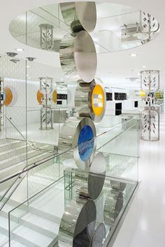 One2free Flagship store, Hong Kong designed by Curiosity