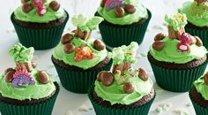 Dinosaur party cupcakes, just try and resist!