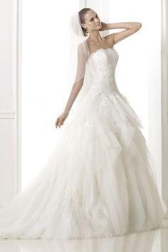 2014 Flamboyant Wedding Dress Strapless Applique Bodice With Tiered Organza Skirt USD 439.99 EPPL4PQPR9 - ElleProm.com