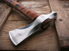 Paps custom axes & tomahawks