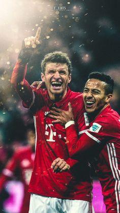 Thomas Müller und Thiago --- #FCB #esmuellertwieder #Bayern