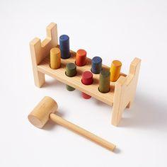 Für kleine Baumeister: Holzspiel 'Pound-a-peg'by Wooden Story