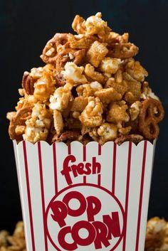 Crunchy+Caramel+Corn+Snack+Mix