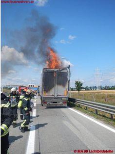 Burning #truck in Vienna / Austria #firefighters