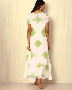 Buy Green & White Sanyogini Tie-and-Dye Cotton Silk Kurta
