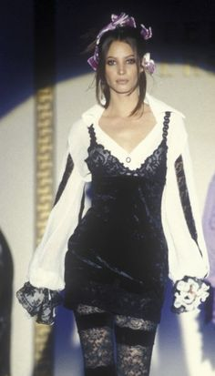 Christy Turlington - Atelier Versace, 1994