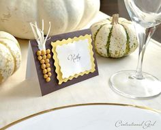 Thanksgiving place cards (the corn is actually made from split peas) Thanksgiving Name Cards, Thanksgiving Food Crafts, Thanksgiving Table, Thanksgiving Decorations, Fall Table, Christmas Craft Projects, Fall Harvest, Autumn, Holidays Halloween