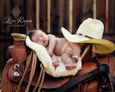ideas baby pictures newborn country horses for 2019 Cowboy Baby, Little Cowboy, Newborn Cowboy, Cute Baby Pictures, Newborn Pictures, Baby Cowgirl Pictures, Cute Kids, Cute Babies, Photo Bb