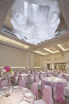 Hyatt Regency Hotel - Lasvit Bespoke lighting @luxxu inspiration