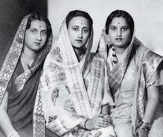 Women_in_Sari