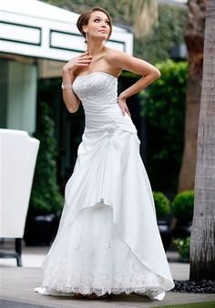 not too found of ball gowns, but this is cute.