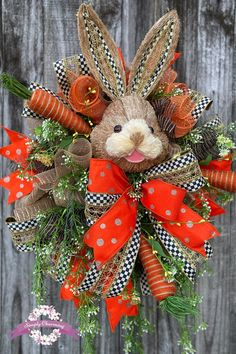 Easter Decorating for front door decorations videos Easter Floral Wreath Spring Wreath Bunny Easter Wreath Diy Spring Wreath, Diy Wreath, Tulle Wreath, Burlap Wreaths, Easter Wreaths, Holiday Wreaths, Holiday Decor, Diy Ostern, Wreaths For Front Door
