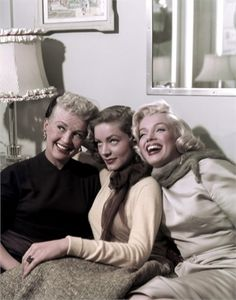 Betty Grable, Lauren Bacall and Marilyn Monroe in How to Marry a Millionaire (1953) one great movie!  <3