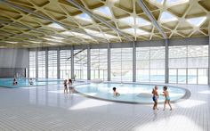 http://www.e-architect.co.uk/images/jpgs/france/aquatic_center_annemasse_s090210_2.jpg