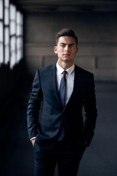Paulo Dybala: just love him! Soccer Guys, Football Boys, Football Players, Juventus Players, Juventus Fc, Dybala Hair, Neymar, Male Fashion Trends, Mens Fashion