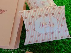 twinkle twinkle little star-paper-pillows Twinkle Twinkle Little Star, Favors, Gift Wrapping, Sugar, Pearls, Pillows, Paper, Gifts, Gift Wrapping Paper