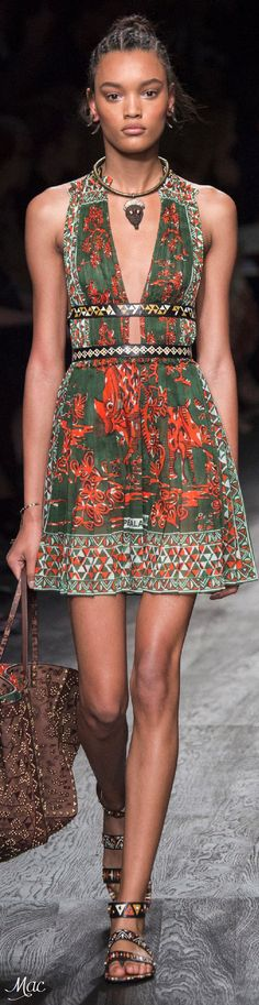 """#Farbbberatung #Stilberatung #Farbenreich mit www.farben-reich.com Spring 2016 Ready-to-Wear Valentino """"And the LORD said to Moses, """"Go to the people and consecrate them today and tomorrow. Have them wash their clothes."""" Exodus 19:10"""