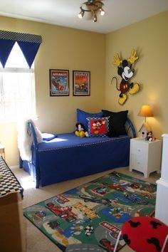 Boys mickey mouse room little ones в 2019 г. Boys Bedroom Decor, Bedroom Themes, Bedroom Ideas, Disney Themed Bedrooms, Mickey Mouse Room, Theme Mickey, Toddler Rooms, Man Room, Disney House