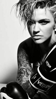 Ruby Rose for Tattoo and Beauty Girls Short Haircuts, Short Girls, Rubby Rose, Australian Models, Portraits, Orange Is The New Black, Beautiful Gorgeous, Celebs, Celebrities