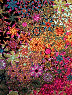 One Block Wonder- all the movement is from careful cutting of Kaffe Fassett largish prints. I do love his work as well as Paula Nadelstern's kaleidoscopic quilts, which looks similar to this one One Block Wonder, Quilting Projects, Quilting Designs, Millefiori Quilts, Image Deco, Kaleidoscope Quilt, Art Textile, Hexagon Quilt, Fabric Art