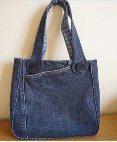 Bolsa de jeans e um modelo bem interessante e criativo. Encontrei esta bolsa à venda AQUI