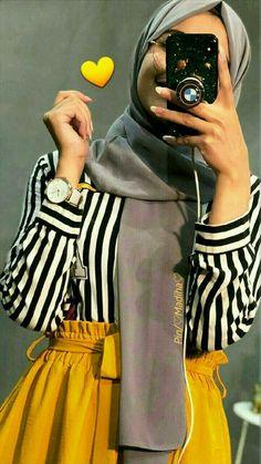 Muslim Women Fashion, Modern Hijab Fashion, Hijab Fashion Inspiration, Islamic Fashion, Abaya Fashion, Modest Fashion, Fashion Outfits, Korean Fashion, Stylish Hijab