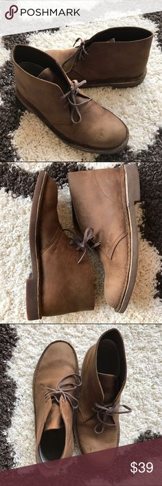 Clarks Chukka Desert Boot Brown (color: beeswax) chukka desert boot by Clarks! Minor wear from gentle use, still in great condition! Clarks Shoes Chukka Boots