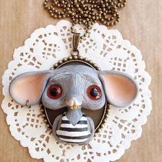 Mouse in a better light 🐾🐭🐾 #mouse #charms #jewellery #necklace #kawaii #fimojewelry #modelina #mosweetfactory #mo_creatures #niezchinzpasji #fimo #creative #ooak #clay #handmade #handmadejewelry #art #etsy #wip #polymerclay #polymerclayjewelry #originalart #creepycute #sculpey #creepy #cute #doll #artforsale #miniature