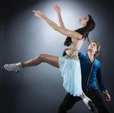Olympic figure skaters Meryl Davis and Charlie White pose for a portrait during the 2013 U.S. Olympic Team Media Summit in Park City, Utah October 1, 2013. REUTERS/Lucas Jackson (UNITED STATES - Tags: SPORT OLYMPICS PORTRAIT FIGURE SKATING TPX IMAGES OF THE DAY)