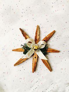 Rustic Clothespin DIY Snowflake Ornament Clothes Pin Ornaments, Diy Christmas Ornaments, Snowflake Ornaments, Snowflake Party, Christmas Items, Christmas Projects, Kids Christmas, Rustic Christmas, Clothespin Art
