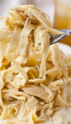 Homemade Amish Chicken and Noodles This looks cheap and easy! I'll probably put them over broccoli or green beans, instead of mashed potatoes. Crock Pot Slow Cooker, Crock Pot Cooking, Slow Cooker Recipes, Crockpot Recipes, Chicken Recipes, Cooking Recipes, Healthy Recipes, Crock Pots, Chicken Meals