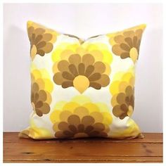 "60/70s Vintage Retro Yellow Cushion Cover, Organic Fabric, 18"" x 18"" New"