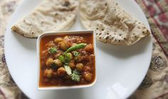 Indian Spiced Chickpea Gravy (Chole) - for a Punjabi twist, add a few whole tea bags when simmering to darken the color! Indian Food Recipes, Vegetarian Recipes, Cooking Recipes, Healthy Recipes, Ethnic Recipes, Delicious Recipes, Vegan Meals, Indian Chickpea Curry, Serious Eats