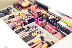 Ashlynn from A Beauty Moment shares her new system for organizing her makeup, complete with Drawer Dividers from The Container Store!