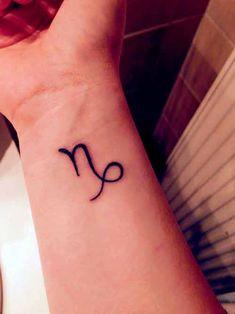 38 besten Steinbock Tattoos Designs und Ideen mit Bedeutungen,                                                     Steinbock-Tattoos : Menschen, die ihren Geburtstag vom 22. Dezember bis zum 19. Januar haben, ..., #Tattoo #Ideen #Design #Tätowierung