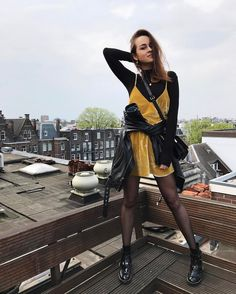 From 11 degrees in Amsterdam today, to 36 degrees Celsius in my hometown in México tomorrow 🔥 #Amsterdam #stylescarpbook