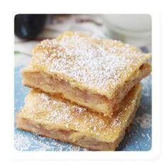 Taigen: 4 kl jahu, 1 kl hapukoort, 200 g margariini, 4 tl suhkrut, nats soola. Vahekiht: 8 õuna, suhkrut, kaneeli. Määrimiseks muna.  Tee nii: sulata margariin, sega ained omavahel kokku ja jaga siis taigen pooleks. Üks pool rulli õhukeseks kihiks ja aseta pannile, vahele õhukesed õunaviilyd, suhkur ja kaneel ning siis teine pool taignast jällegi õhukeseks kihiks rullituna vahekihile peale. Määri pealt munaga ja torgi kahvliga augud sisse. 180-200¤ umbes 25 minutit. Peale tuhksuhkrut.