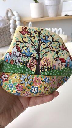 Stone Art Painting, Pebble Painting, Pebble Art, Painted Rocks Craft, Hand Painted Rocks, Turtle Painted Rocks, Rock Painting Patterns, Rock Painting Designs, Stone Crafts