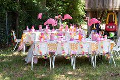 Flamingo fabulous party tablescape!