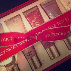 FREE GIVEAWAY Victoria's Secret Lip Gloss Gift Set 5 Flavored Lip Gloss from VS. 1 Minty Shine Lip Gloss from VS.  Everything is in the original Christmas gift packaging with Victoria's Secret bow.  Giveaway Promotion:  -Sign up for a FREE customer account by December 13, on my thrive link to be entered in the drawing to receive this for absolutely free (free shipping too!) (TheThriveStrive.le-vel.com/login)  There is no spam from signing up, or any cost to you. -Comment your new customer #…