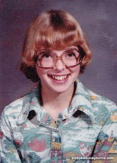 Len Speaks: More Bad Yearbook Photos - Mariella School Portraits, School Photos, Awkward Photos, Nostalgia, Yearbook Photos, Grad Pics, School Looks, Silhouette, Art Academy