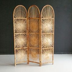 Rattan room divider / folding screen by Rohé Noordwolde, - Home Professional Decoration Old Screen Doors, Wooden Screen Door, Metal Screen, Folding Screen Room Divider, Room Dividers, Folding Screens, Room Divider Headboard, Deco Studio, Bamboo Furniture