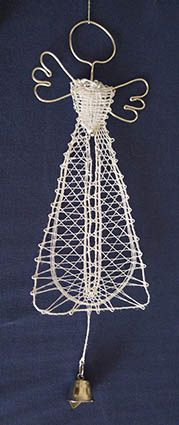 nové soutěže - lots of cool angels on this page Embroidery Techniques, Embroidery Stitches, Bobbin Lace Patterns, Lacemaking, Lace Heart, Lace Jewelry, Needle Lace, Knit Mittens, Textiles