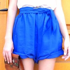 How to make cute super easy flowy shorts.