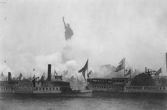 Ships gather in New York Harbor for the unveiling of the Statue of Liberty 28 October 1886 [1247x823]