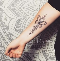 The picture may contain: one or more persons and close up - - diy tattoo ima Forarm Tattoos, Wrist Tattoos, Flower Tattoos, New Tattoos, Body Art Tattoos, Sleeve Tattoos, Tatoos, Forearm Tattoos For Women, Tattoo Finger