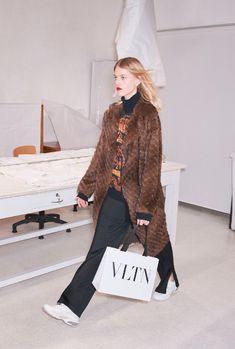 Valentino Pre-Fall 2018 Fashion Show