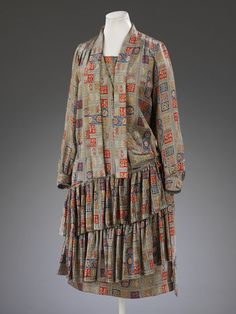 Block-printed satin dress 1928 made for Liberty, London. This dress was worn by Marian Hazel Lasenby for her wedding to William Moorcroft in She recalled that the pattern of the coat was made so that she could wear it either side out. Historical Costume, Historical Clothing, Satin Dresses, Day Dresses, 1930s Fashion, Vintage Fashion, Crossover, Vintage Dresses, Vintage Outfits